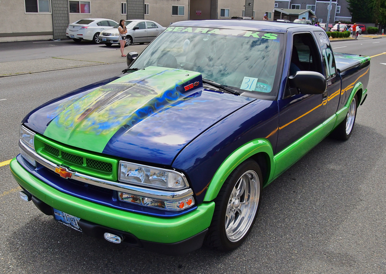 White center parade celebrated local culture seahawks and fun the wheels of boom cars take part in parades around the region photo by patrick sciox Choice Image