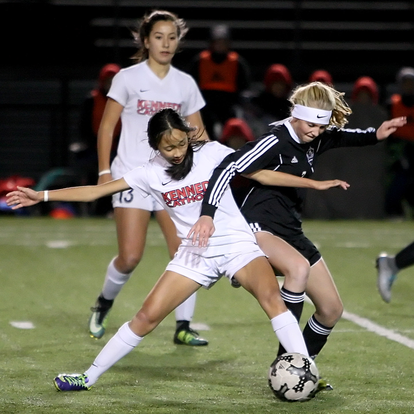 Ashley Nguyen of Kennedy Catholic gets tangled with Lake Stevens Callaway Knutson.