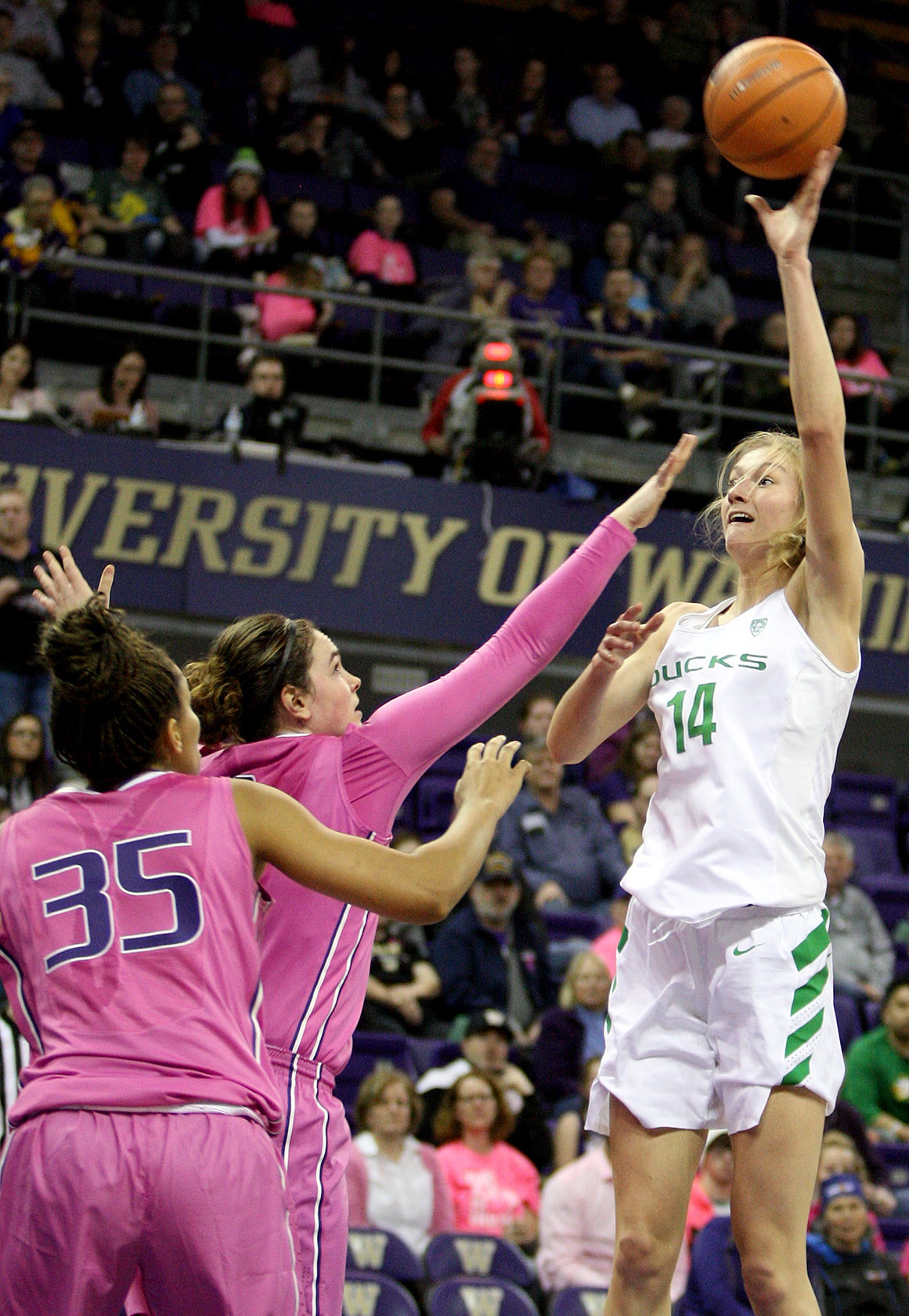 Lydia Giomi of Oregon puts up a shot close to the basket.