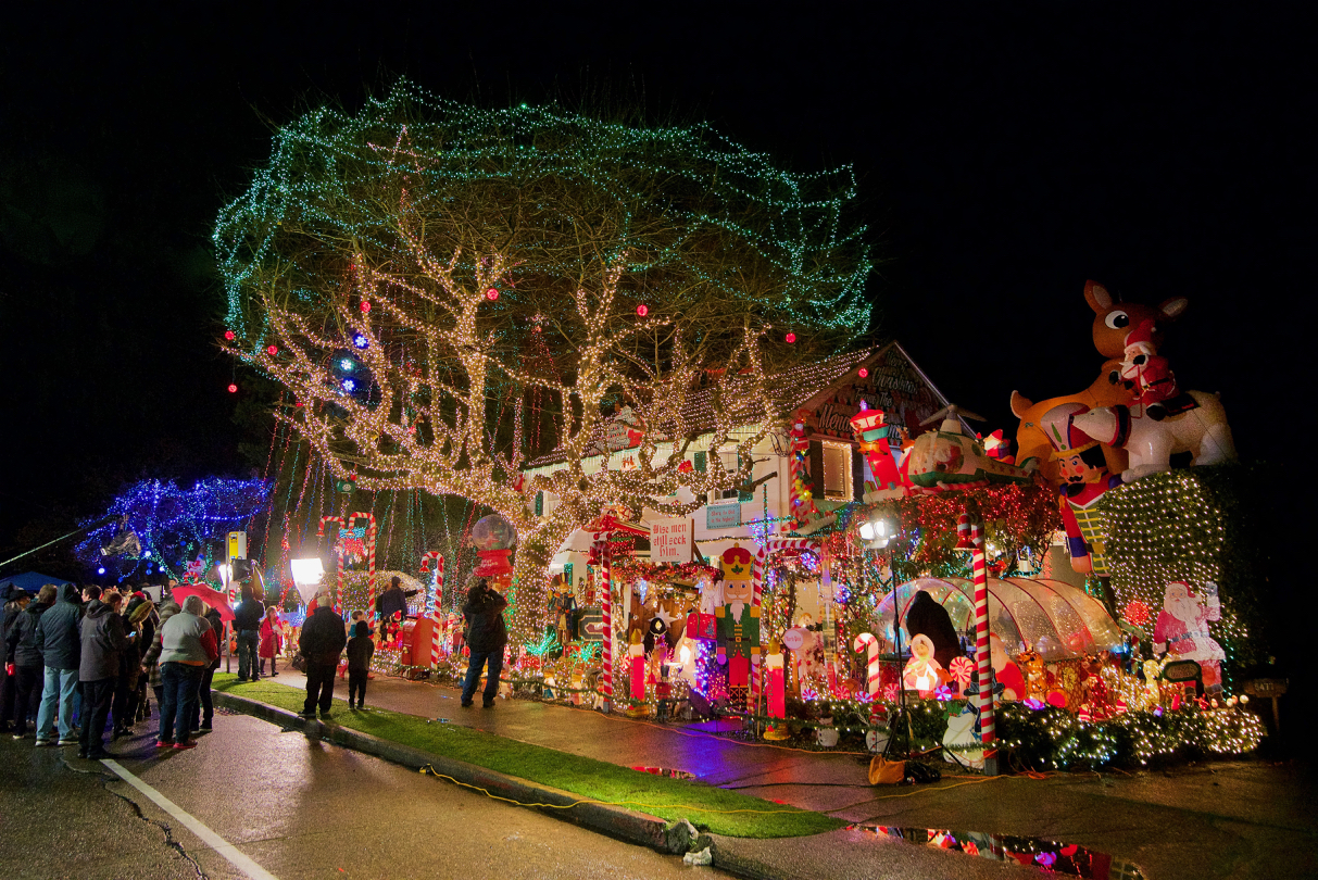 Famous Menashe family Christmas lights featured on ABC television