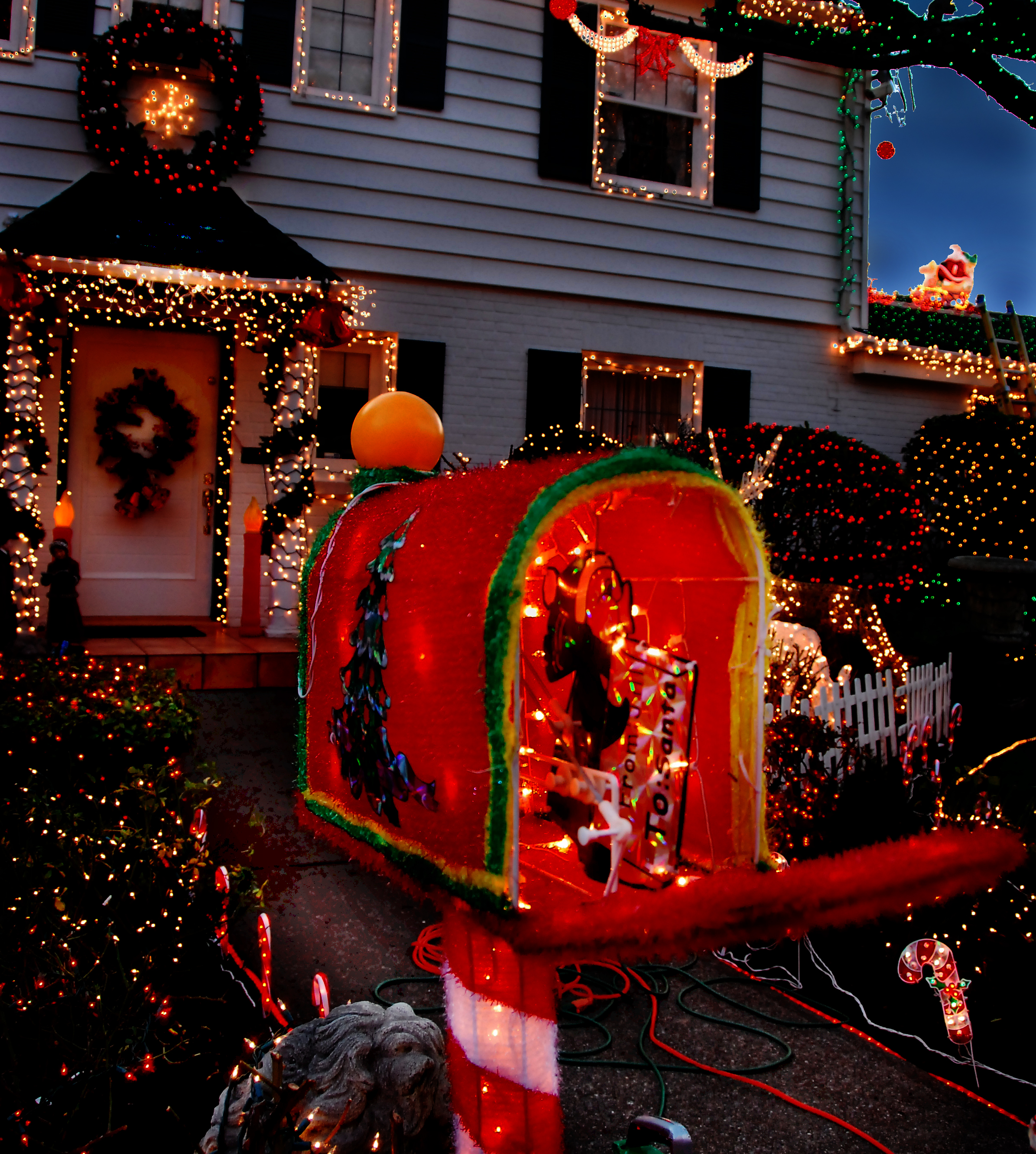 slideshow menashe family christmas lights featured on tlc special