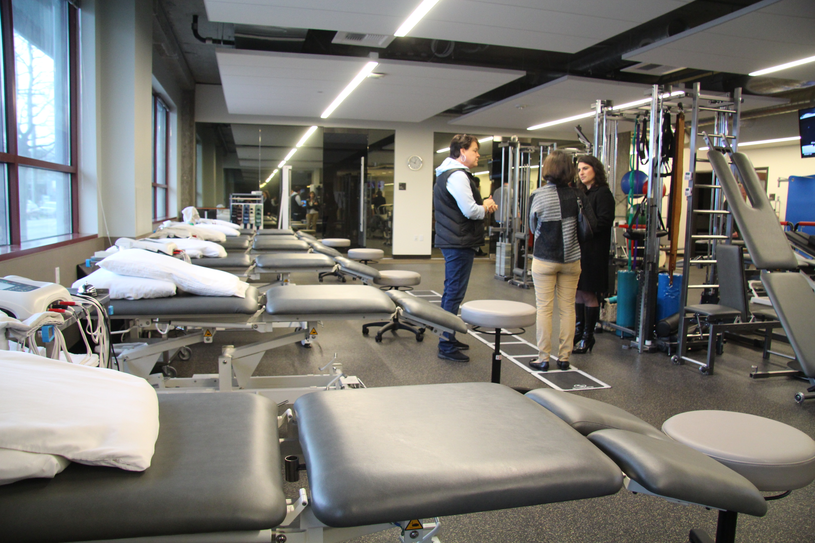uw medicine and local therapy groups open new medical facility in