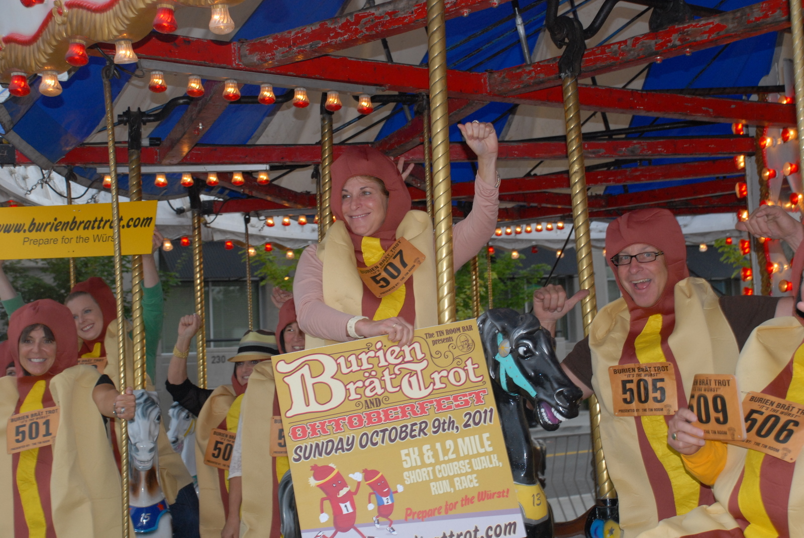 Carnival Rides Music More Bratwurst >> Slideshow Brats Take A Trot On Burien Merry Go Round Westside Seattle