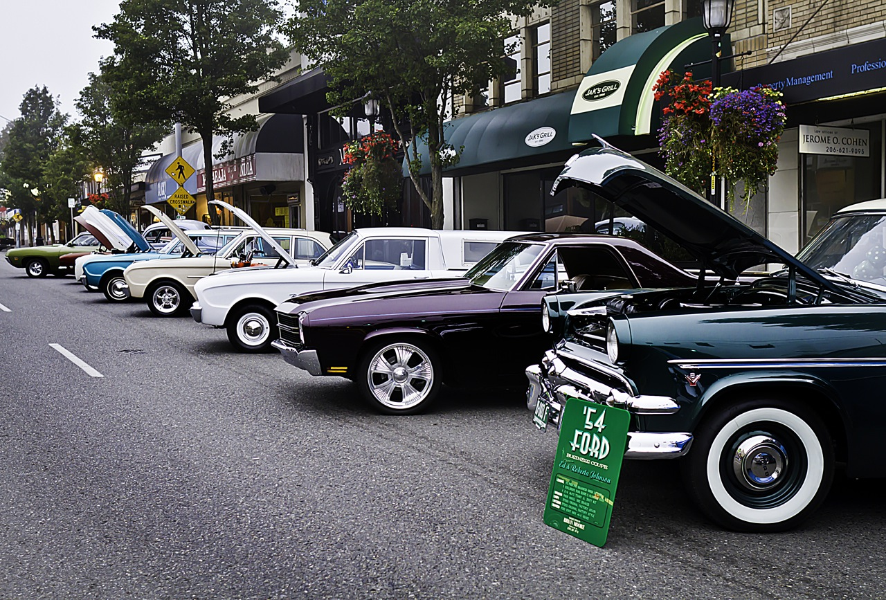 SLIDESHOW Classic Cars Compete For Attention In West Seattle Car - Classic car show seattle